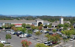 Lakewood Shopping Center in Windsor